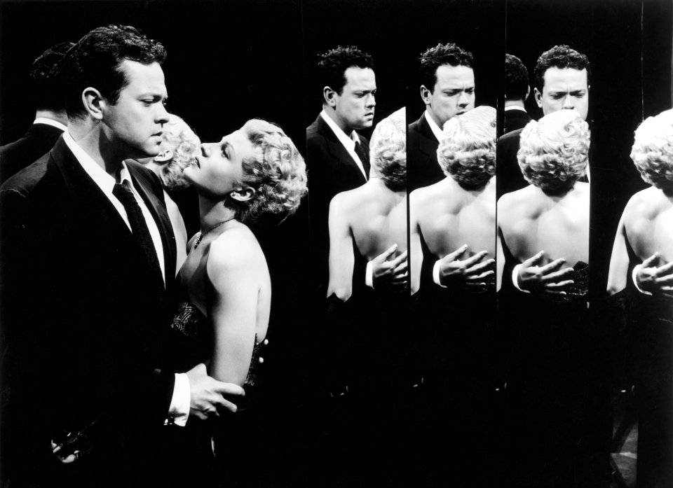 The Lady from Shanghai, 1947. No more distorting reality: Michael sees the truth from all angles in the hall of mirrors.