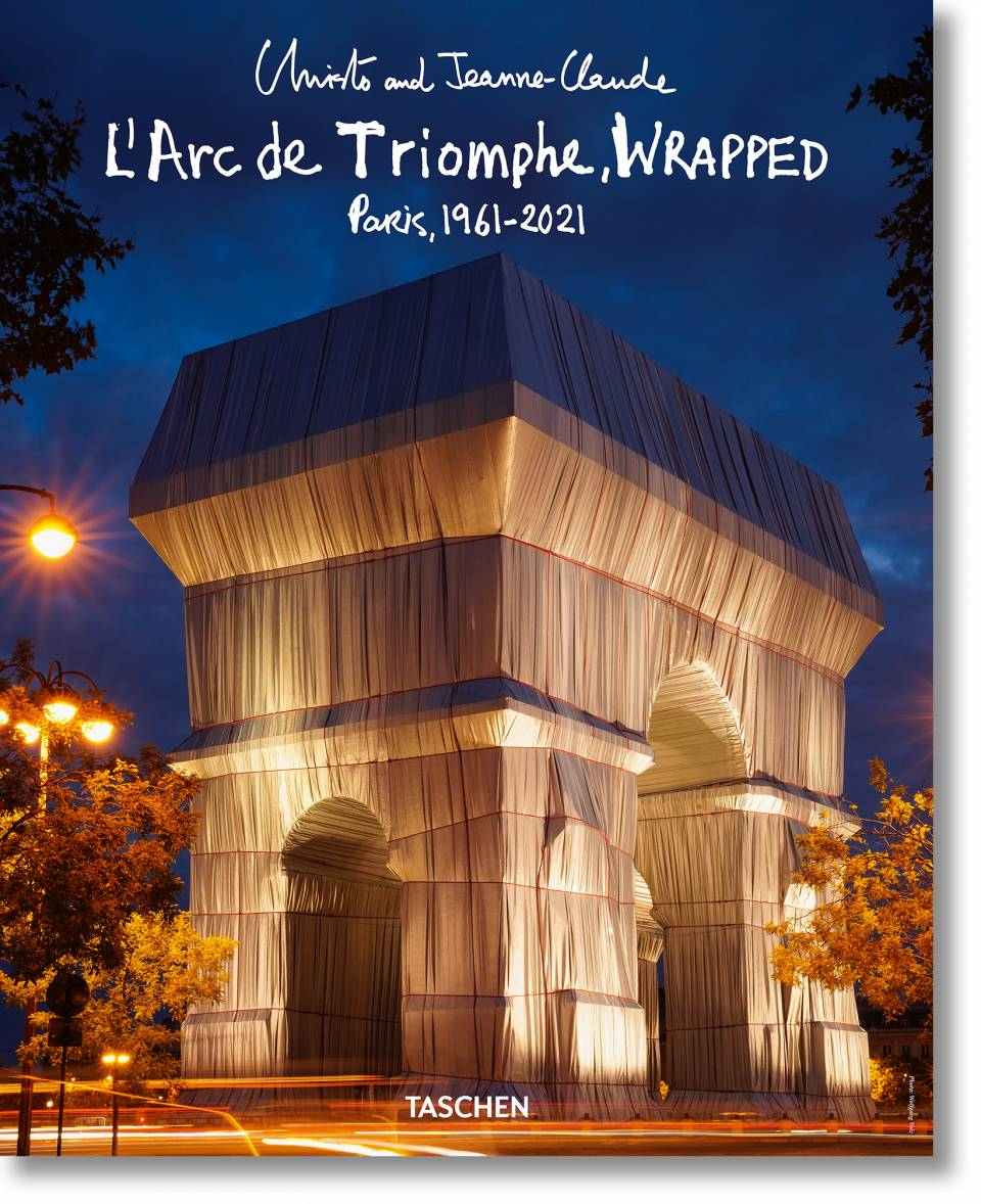 Christo and Jeanne-Claude. L'Arc de Triomphe, Wrapped, by Night. Poster - image 1