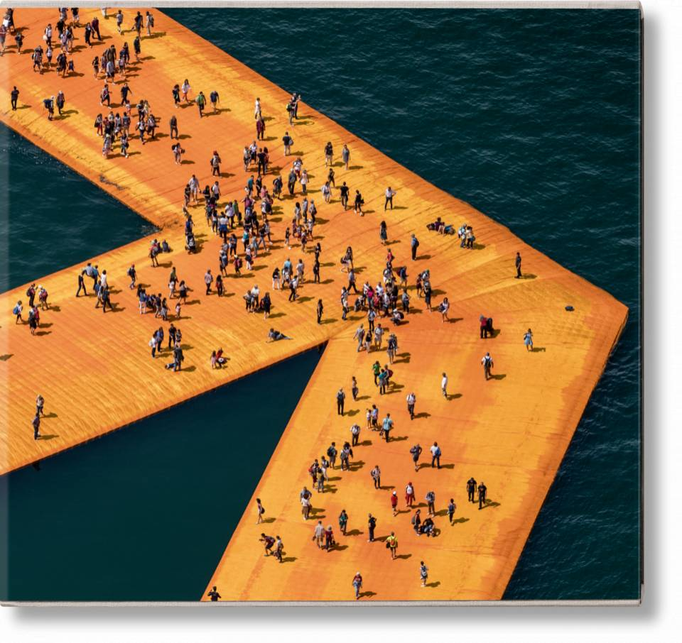 Christo and Jeanne-Claude. The Floating Piers - image 1