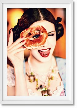 Ellen von Unwerth. Heimat. Art Edition No. 201–300 'Spy Device' (Limited Edition)