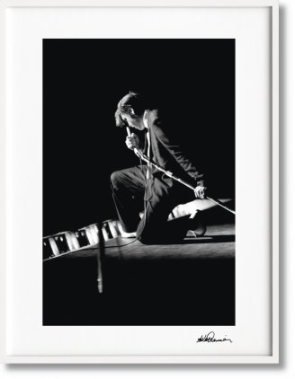 Alfred Wertheimer. Elvis, Art Edition No. 1–125 'Kneeling at the Mosque' (Limited Edition)