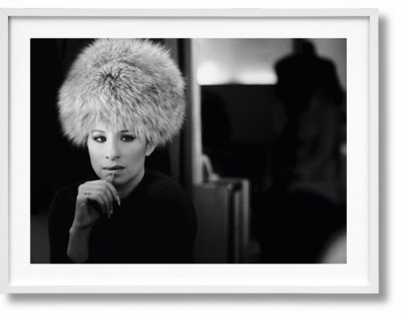 Barbra Streisand, Art Edition No. 101–200, Lawrence Schiller 'Streisand En Route To London' (Limited Edition)