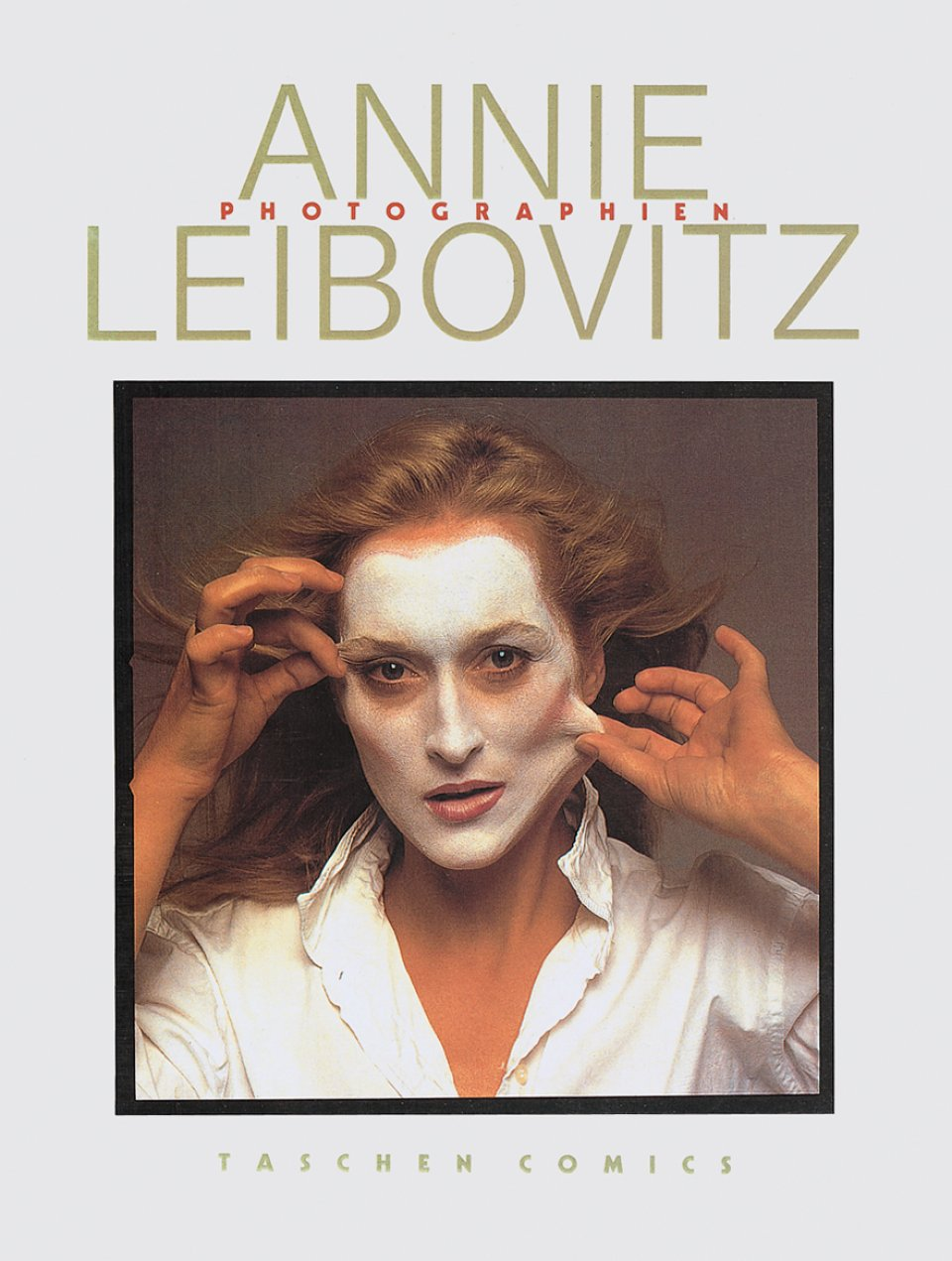 A book of photographs by Annie Leibovitz is printed under TASCHEN's name.