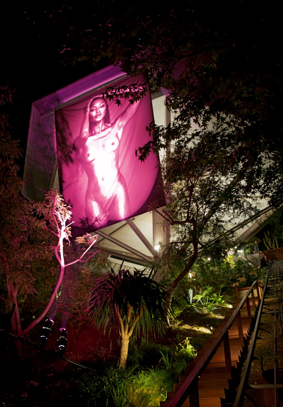 The one and only Naomi Campbell celebrates her TASCHEN homage with a night at the Chemosphere house.